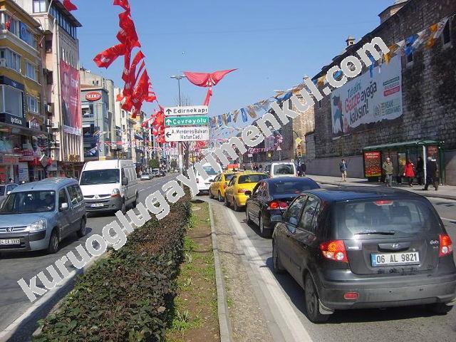 Fatih Fevzi Paşa caddesinde kiralık 3 katlı mağaza
