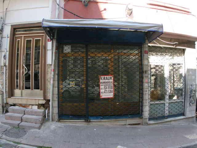 Fatih Kırbacı sokakta kiralık dükkan iş yeri