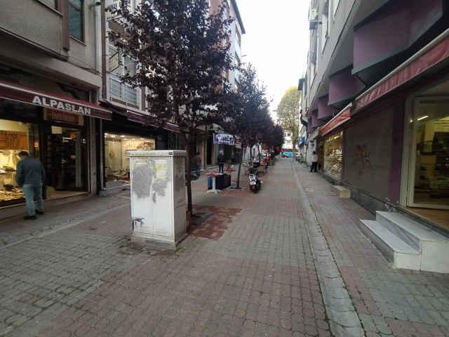 Fatih Kıztaşı Bina Emiri Sokak Kiralık iş yeri yazıhane