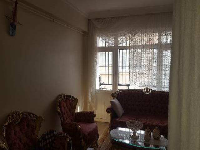 Fatih Musa Bey sokakta satılık 1.kat daire