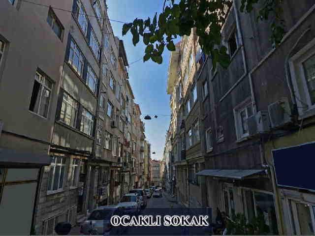 Fatih ocaklı sokakta satılık 3.kat daire