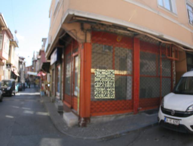 Fatih Salih Paşa caddesinde kiralık dükkan