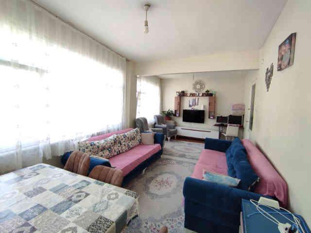 fatihte-satilik-2-oda-1-salon-orta-kat-daire_1623248886.jpeg