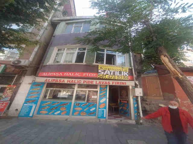 Haliç caddesinde hazır fırınlı bina